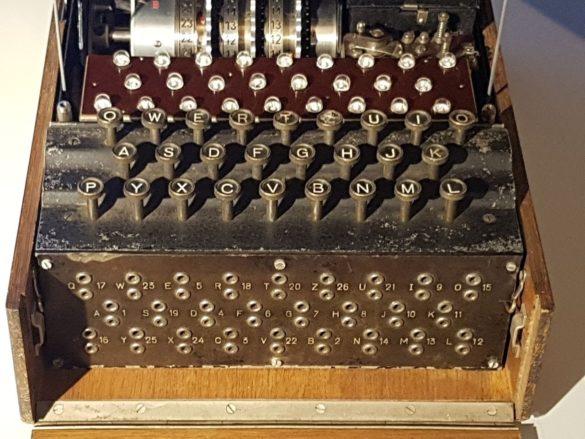 Enigma bas