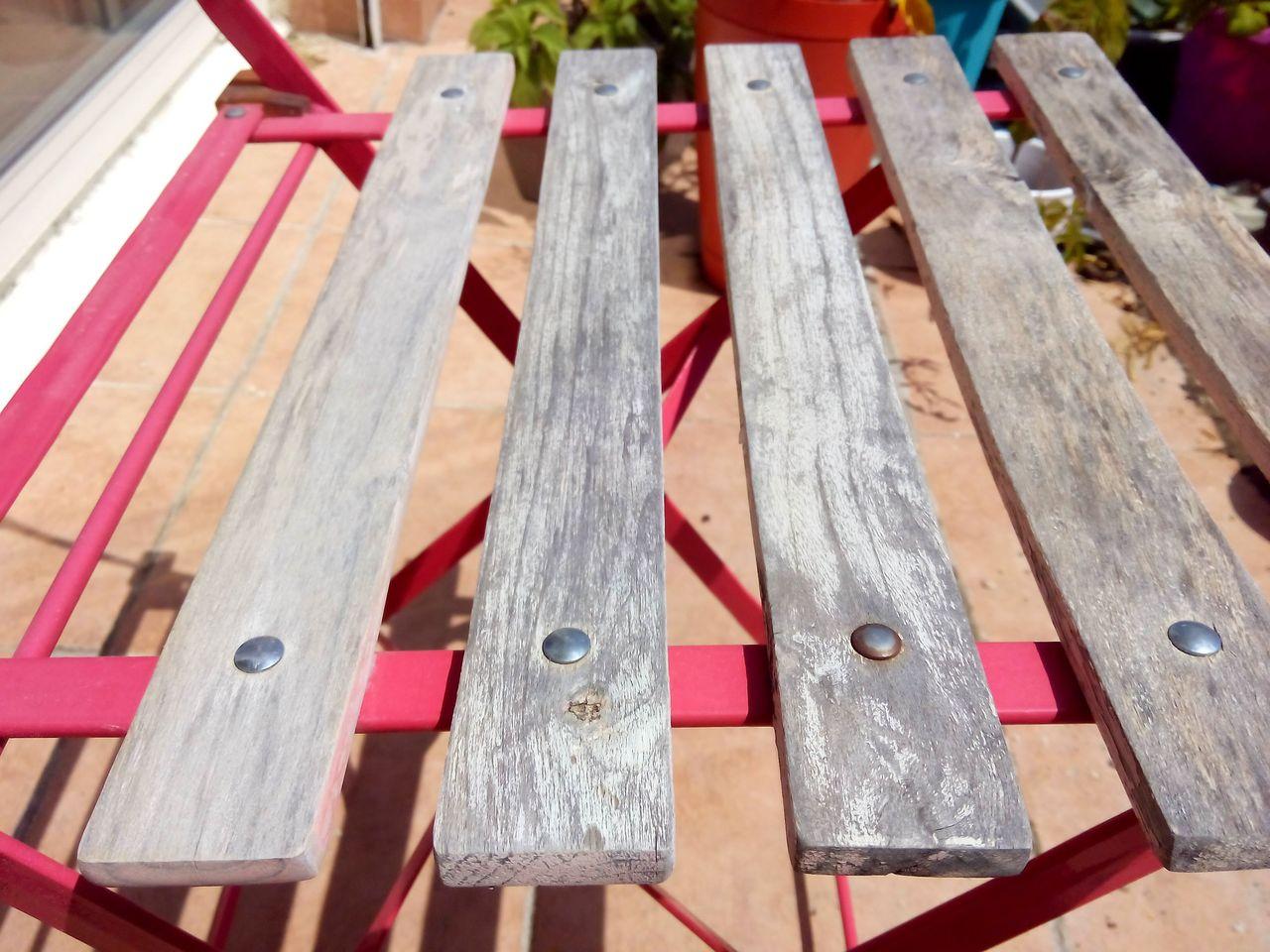 Comment Decaper Des Chaises En Bois retaper au lieu de jeter : la chaise de jardin en bois