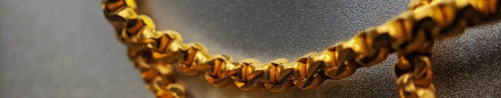 Bannière chaîne or
